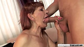 Saggy tit mature got her all natural pussy fucked hard