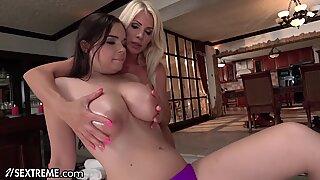21Sextreme Mature & Curvy Teen- Lesbian Licking Massage