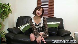 Sluttish heks rika okabe får henne våt fitte knullet med en rosa dildo