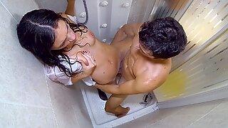 Housewife penetrates Plumber in the bathroom