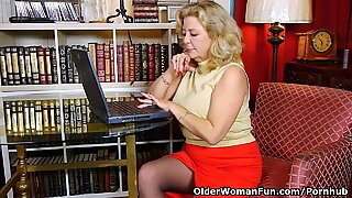 american gilf Karen Summer needs to fumble one out